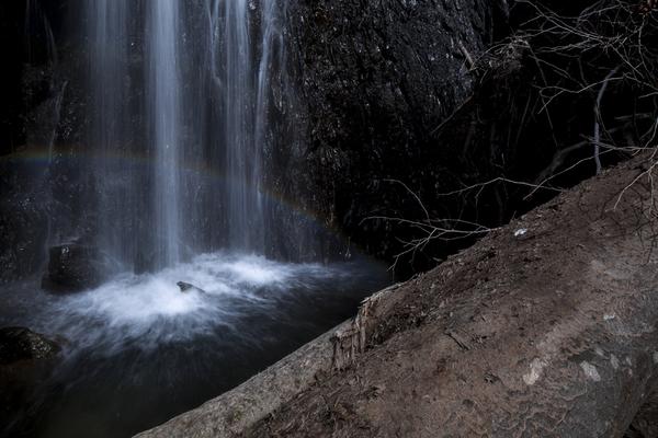 横山大滝の密やかな虹