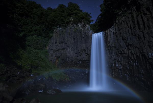 苗名滝の月虹(ムーンボウ)その2