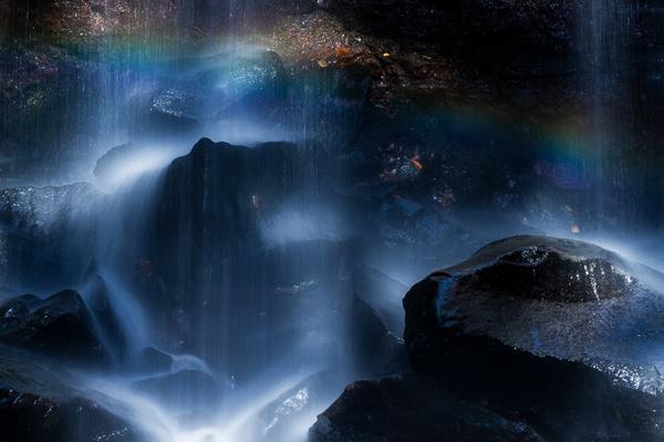 七色の赤滝