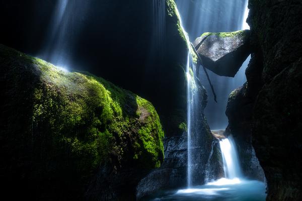 大沢大瀑の光芒