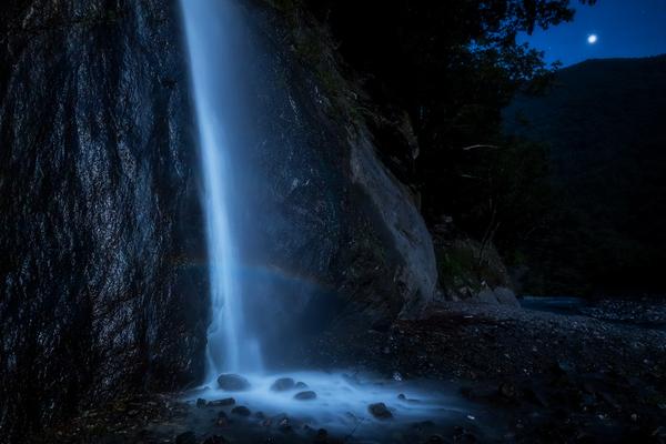 月虹と明けの明星